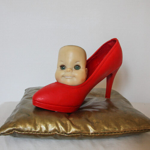 Kind und Schuh